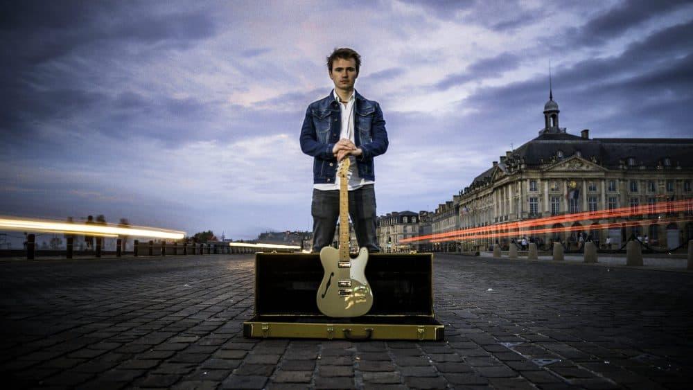 Harry Hawken adore les guitares et sera heureux de vous aider acheter la guitare de vos rêves